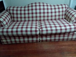 Sofa, red and white country- free